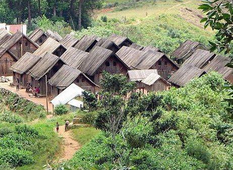Les maisons zafimaniry certainement parmi les plus beaux for Maison traditionnelle malgache