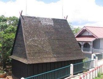 Ambohimanga, devant les palais