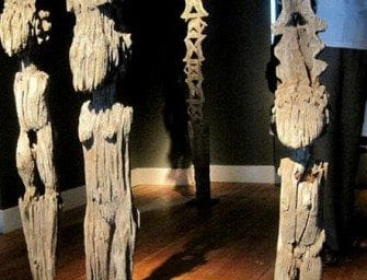 Sculptures symboliques «Aloalo» – Madagascar